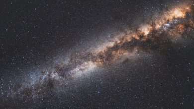 Photo of First massive galaxies lack hydrogen to produce stars